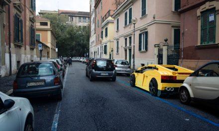 I veicoli Lego approdano tra le strade di Roma