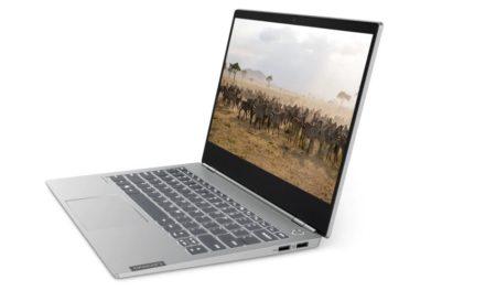 Lenovo ThinkBook 13S: azienda e persona unite da un laptop